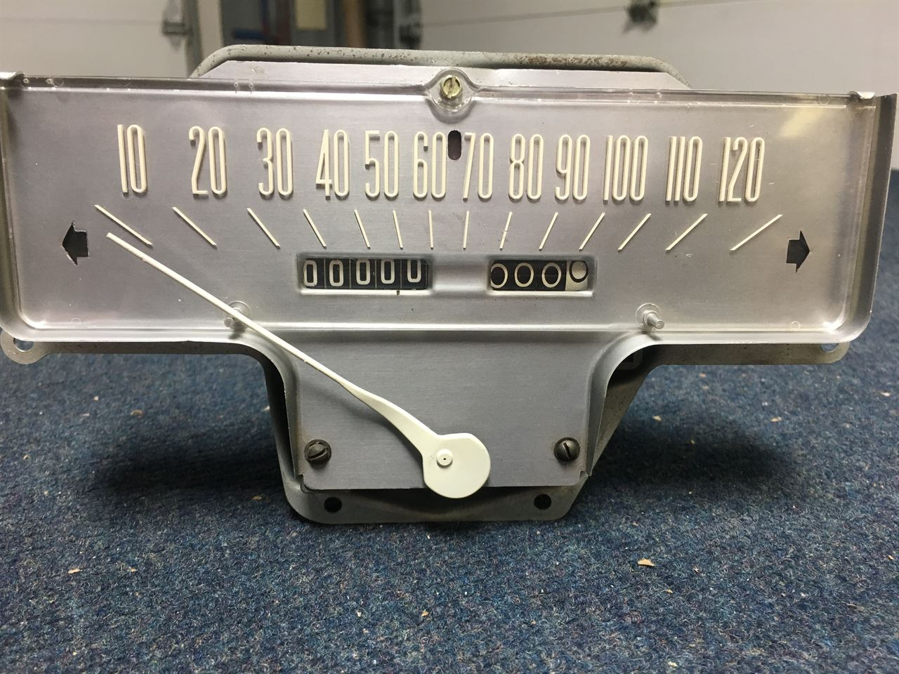 Picture of 1957 Lincoln Speedometer